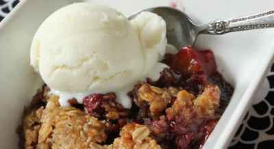 fruit-and-berry-cobbler