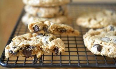 flourless-cashew-butter-chocolate-chip-cookies-e1427914725238
