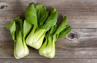 bok-choy-on-wooden-table