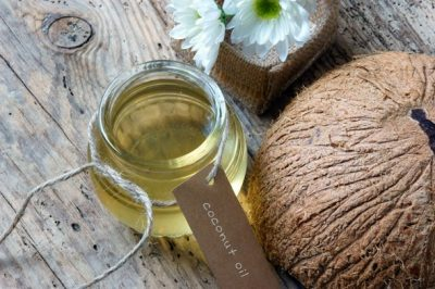 liquid-coconut-oil-in-jar
