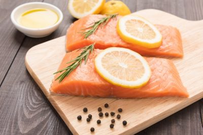 two-salmon-fillets-and-lemon-slices