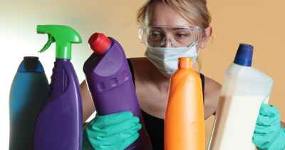 toxic-chemicals-cleaning-spray