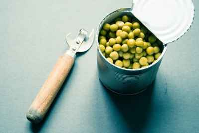 peas-in-can