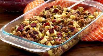 paleo-sausage-apple-and-cranberry-stuffing