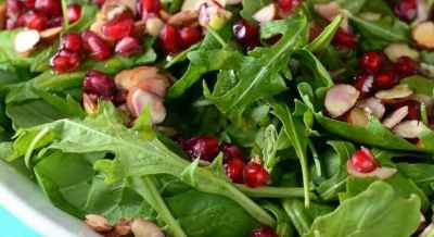 spinach-arugula-almond-and-pomegranate-salad