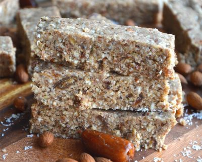 almond-coconut-protein-bars-with-hemp-seeds-e1427912768829