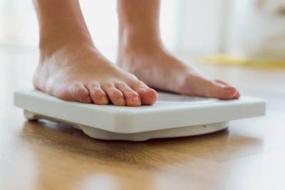 feet-on-bathroom-scales